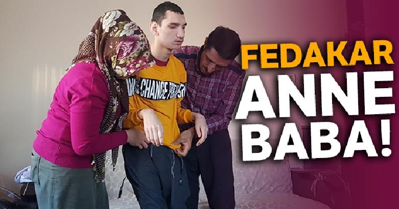 Fedakar anne-baba Mahmut'un hayata tutunmasına yardımcı oluyor 1