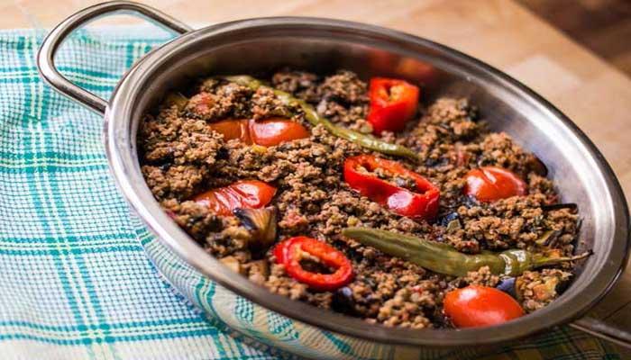 Zeytinyağlı patlıcan yemeği tarifi 1